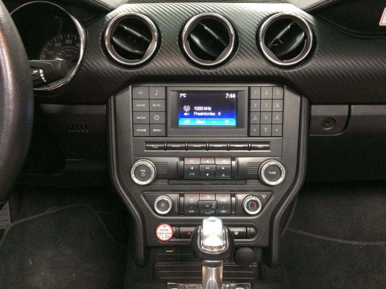 Salpicadero Ford Mustang