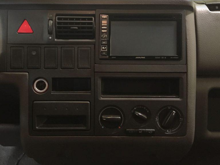 equipo multimedia en Volkswagen T4
