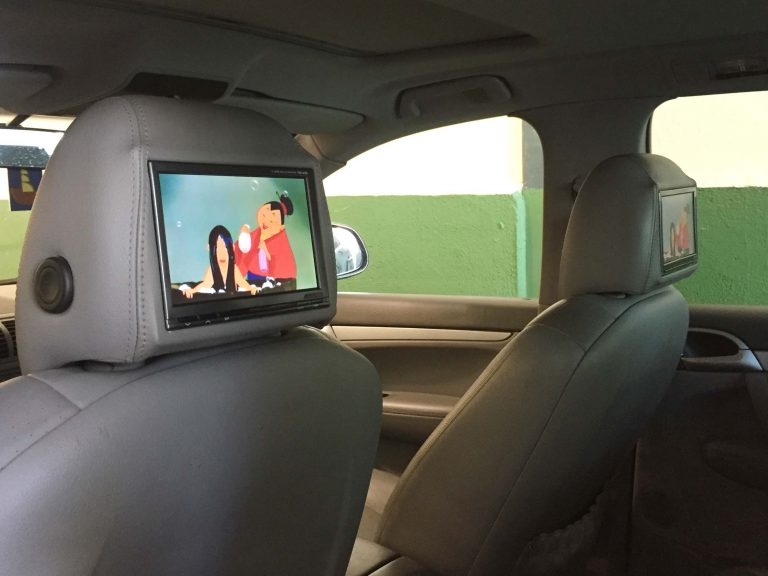 Sistema entretenimiento trasero en Porsche Cayenne